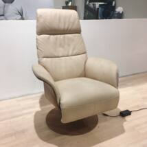 5052 fotel, bézs bőr, dió láb