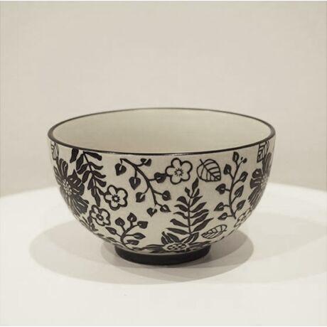 Krém színű müzlis tál fekete virágokkal